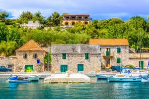 solta sziget nyaralás balkanfan5
